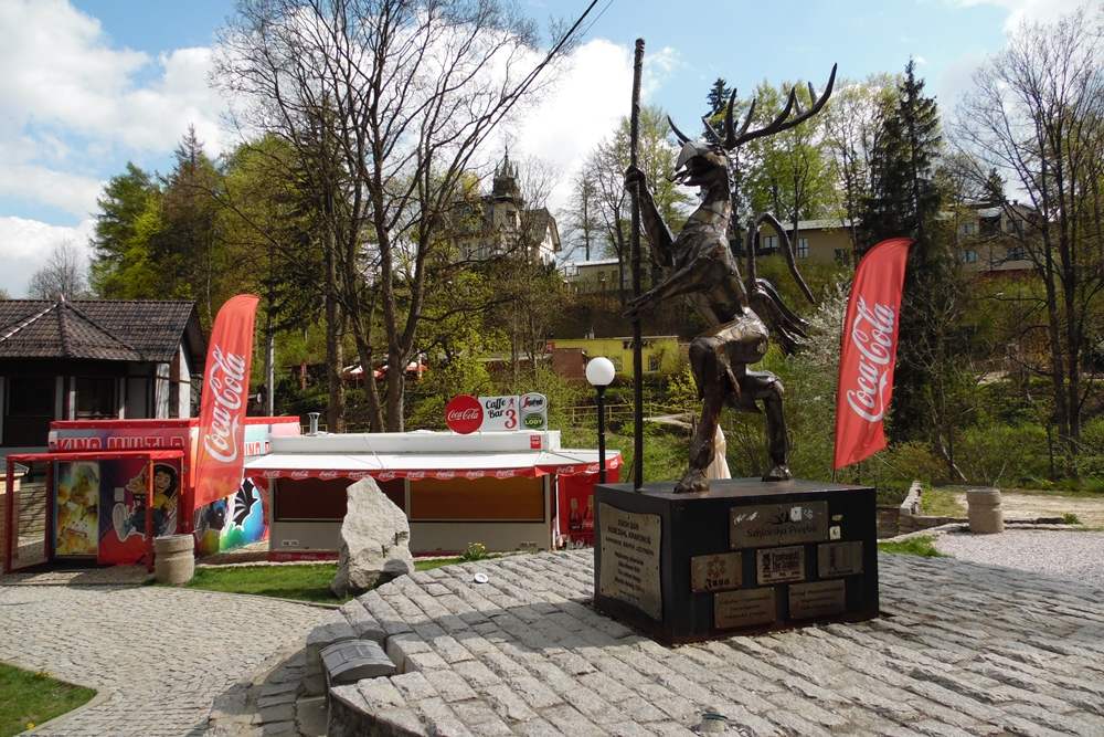 Pomnik Karkonosza na Skwerze Radiowej Trójki