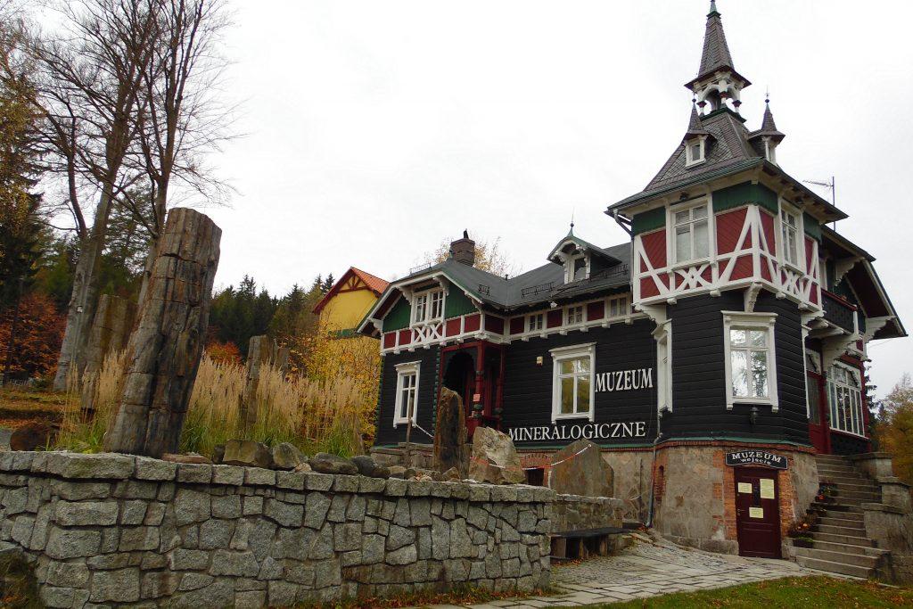 Muzeum Mineralogiczne w Szklarskiej Porębie, Las Karboński